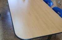 소그룹활동을 위한 책상입니다.